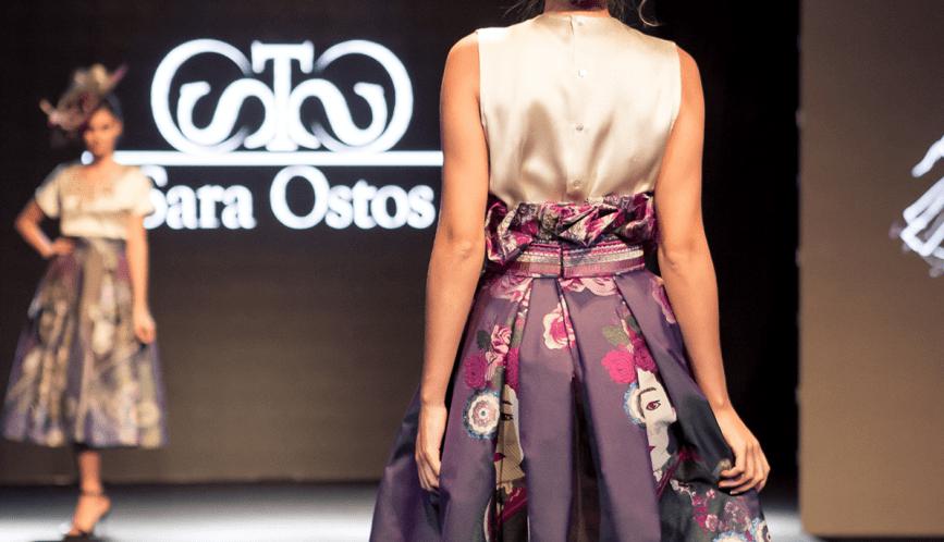 Conjunto de blusa y falda de estilo asiático