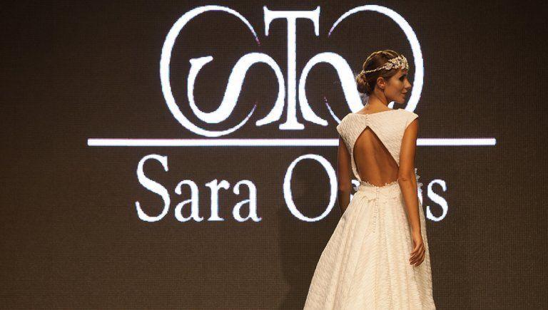 Vestido de novia sencillo | Diseñadora Sara Ostos | Fuente Palmera, Córdoba